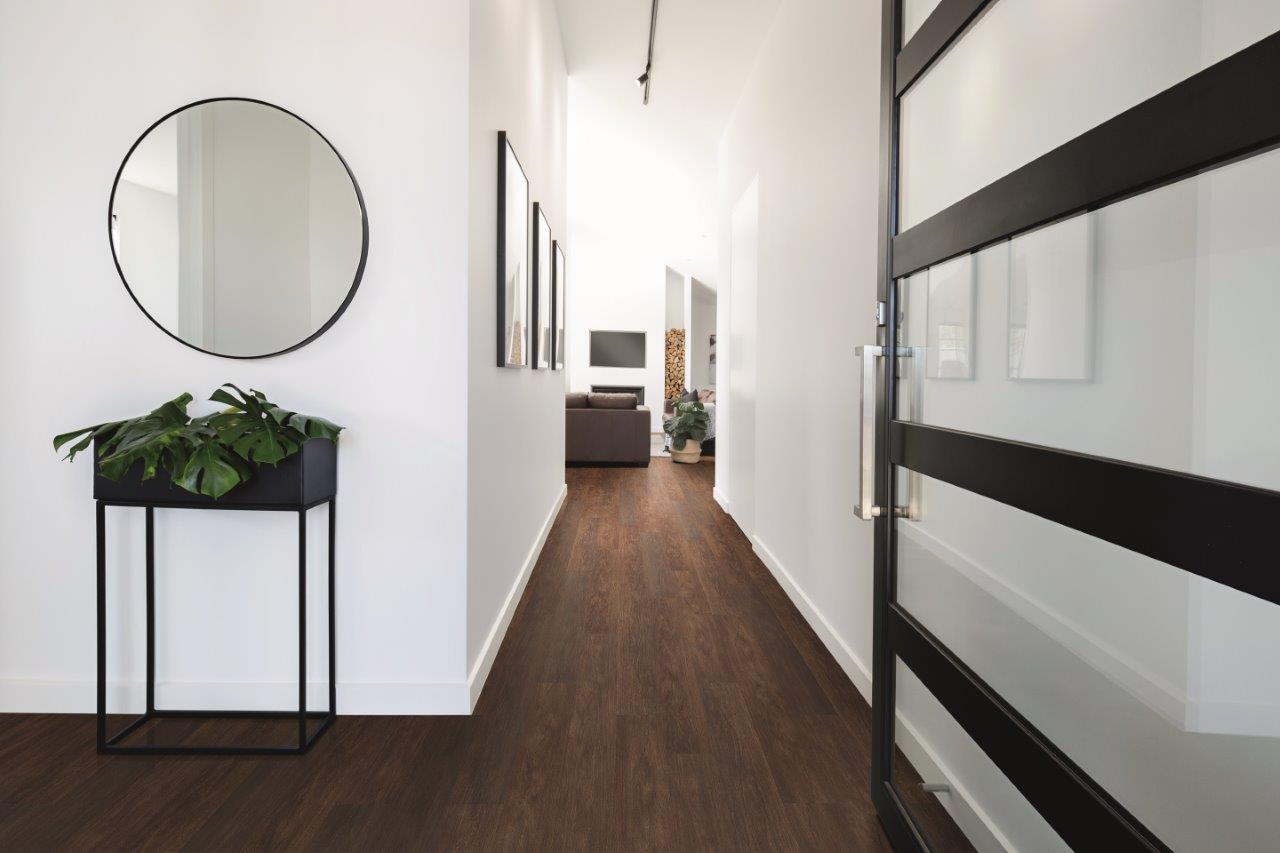 Choosing the right flooring for your space- Vinyl or Ceramic?